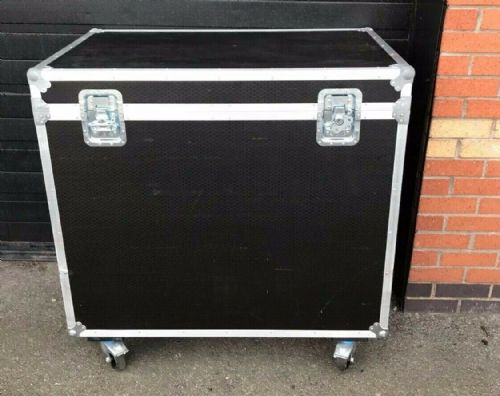 "Large wheeled equipment storage and transportation case . 26.5x42.5x36"" with hin"